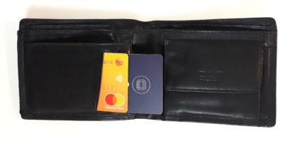 skyddskort i plånbok så korten är skyddade